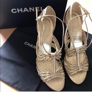 New CHANEL stilettos in brushed gold. Sz 8.5